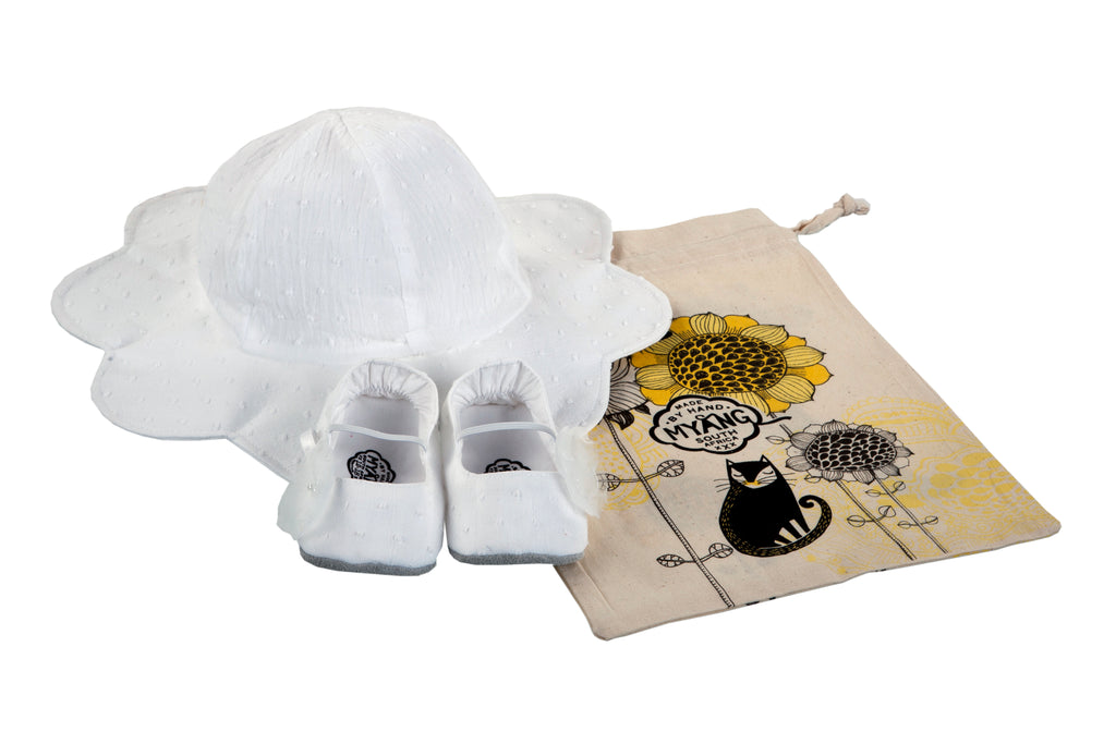 Sets / Girls - Hat White Petal and Pumps White Dot Shoes - M0239