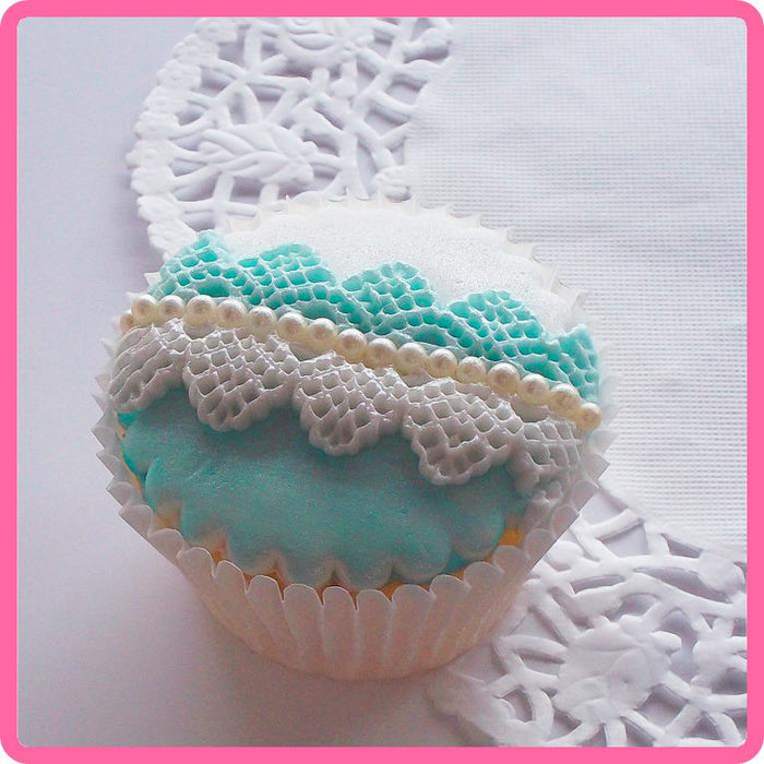 CD - An idea using the Victoria Lace Border 3/4 inch Silicone Mould product