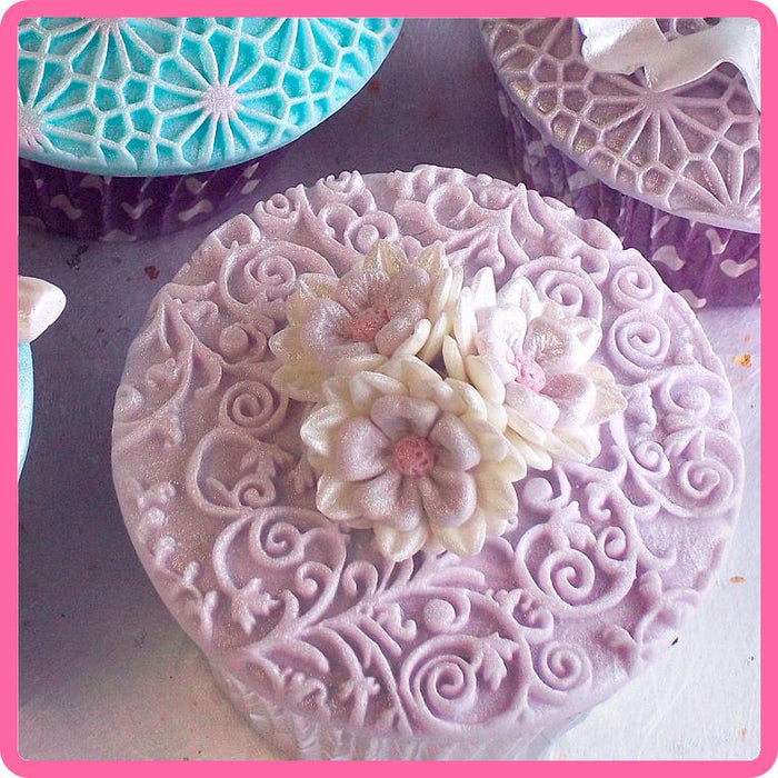 CD - An idea using the Romantic Swirl Silicone Mould product