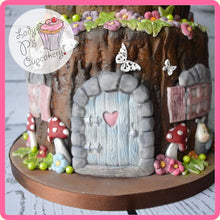 CD - An idea using the Enchanted Door Sugar Buttons Silicone Mould product