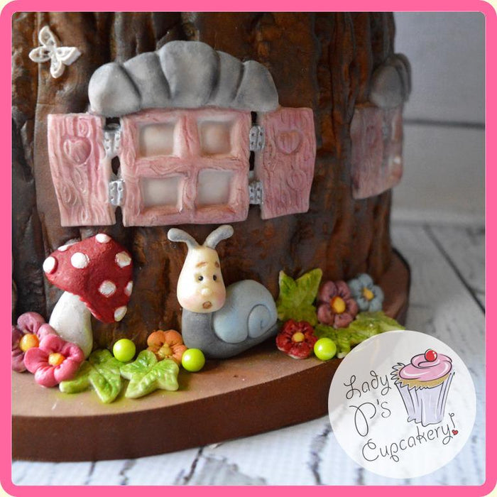 CD - An idea using the Garden Snail & Toadstools Sugar Buttons Mould product