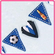 CD - An idea using the Bunting for Boys Silicone Mould product