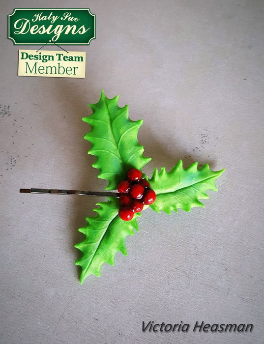 C - An idea using the Holly & Mistletoe Mould product