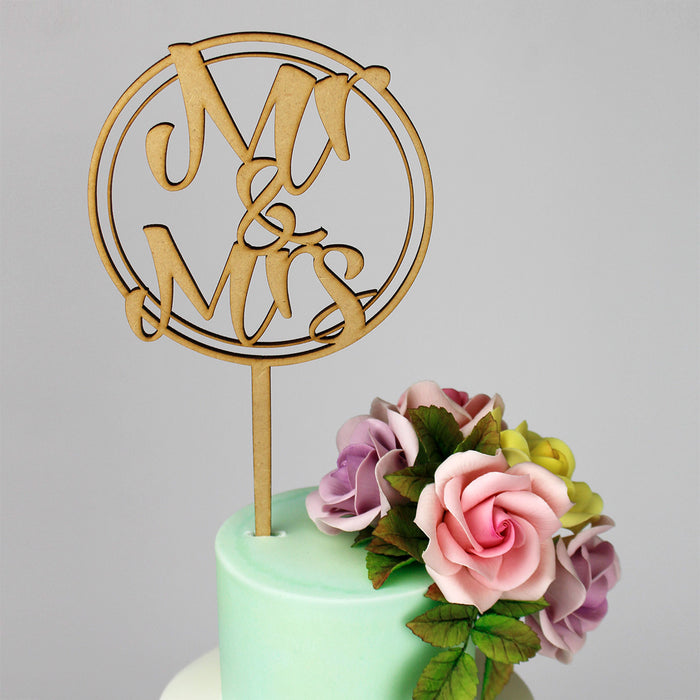 Mr & Mrs Circle Wooden Cake Topper (Long Pick)