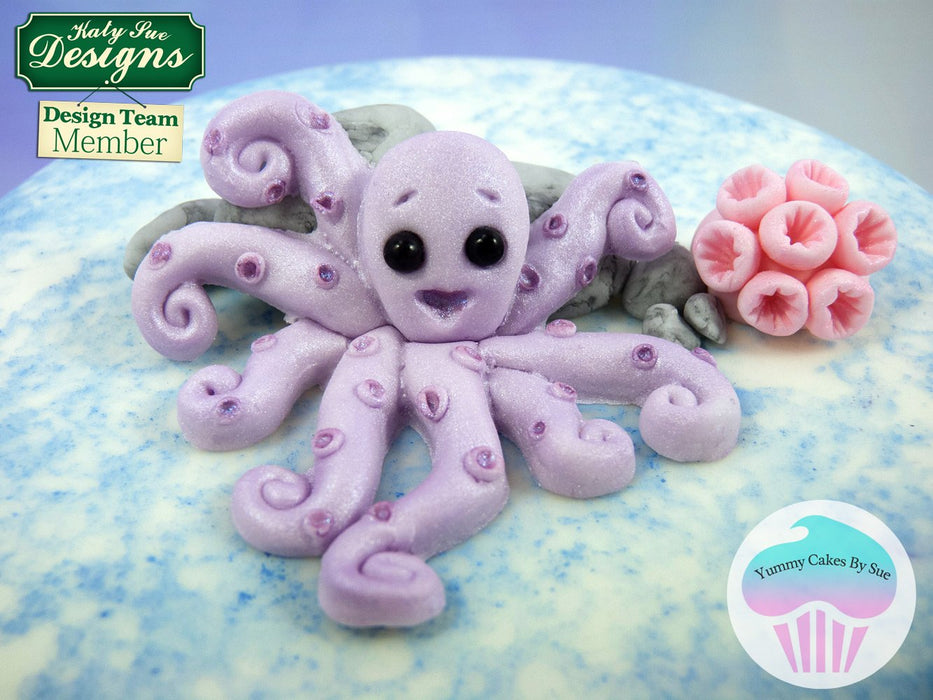 CD - An idea using the Octopus Sugar Buttons Mould