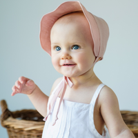 Linen Scallop Bonnet in Shell Pink