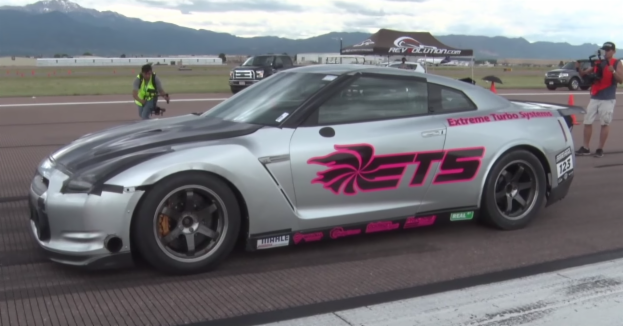 3,000-HP Nissan GT-R hits 255mph, destroys half-mile record [video]
