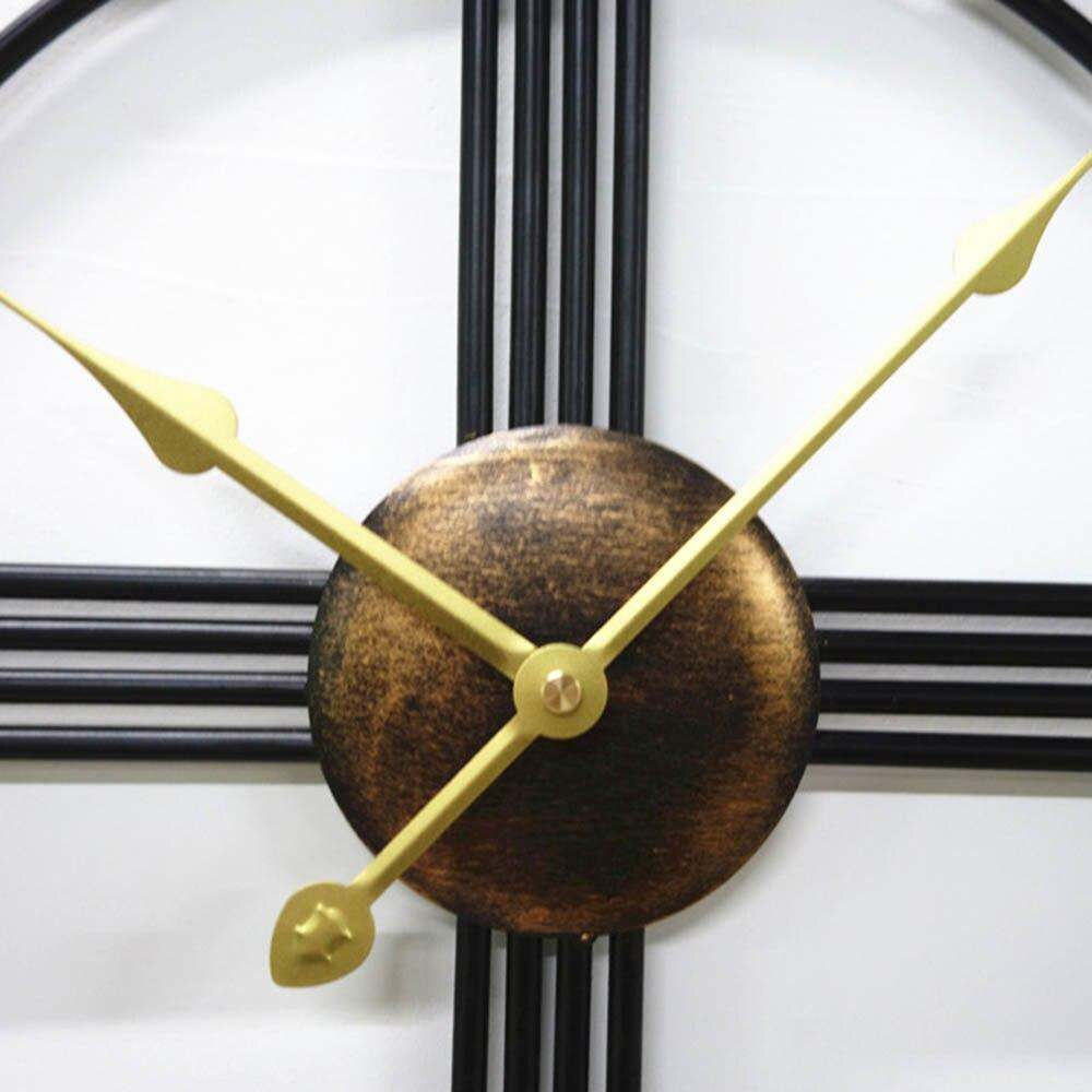 Royale Wall Clock