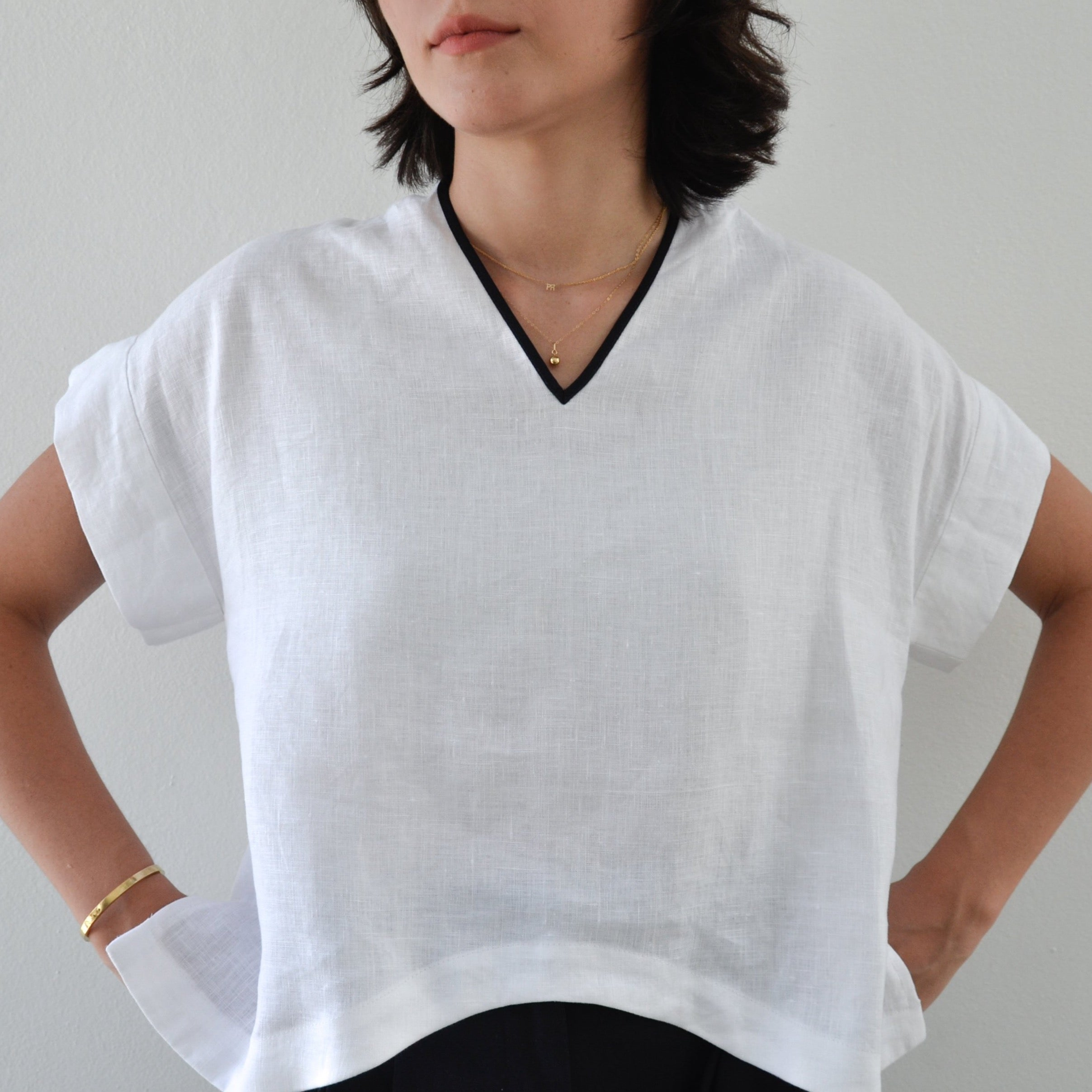 YAYI Luz V-Neck Top