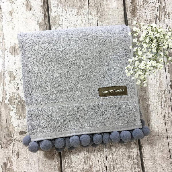 Bath Towel With Pompoms
