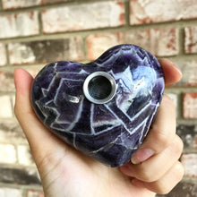 Load image into Gallery viewer, Dream Chevron Amethyst Heart Pipe - EtherealHaze.com
