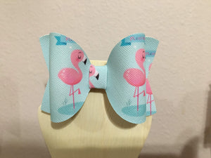 Flamingo in Water Hair Bow