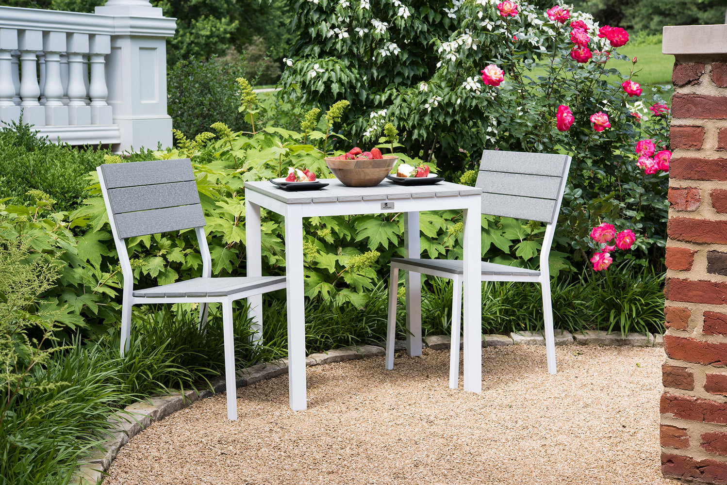 "Berlin Gardens PAX 28"" Table Set w/ Side Chairs"