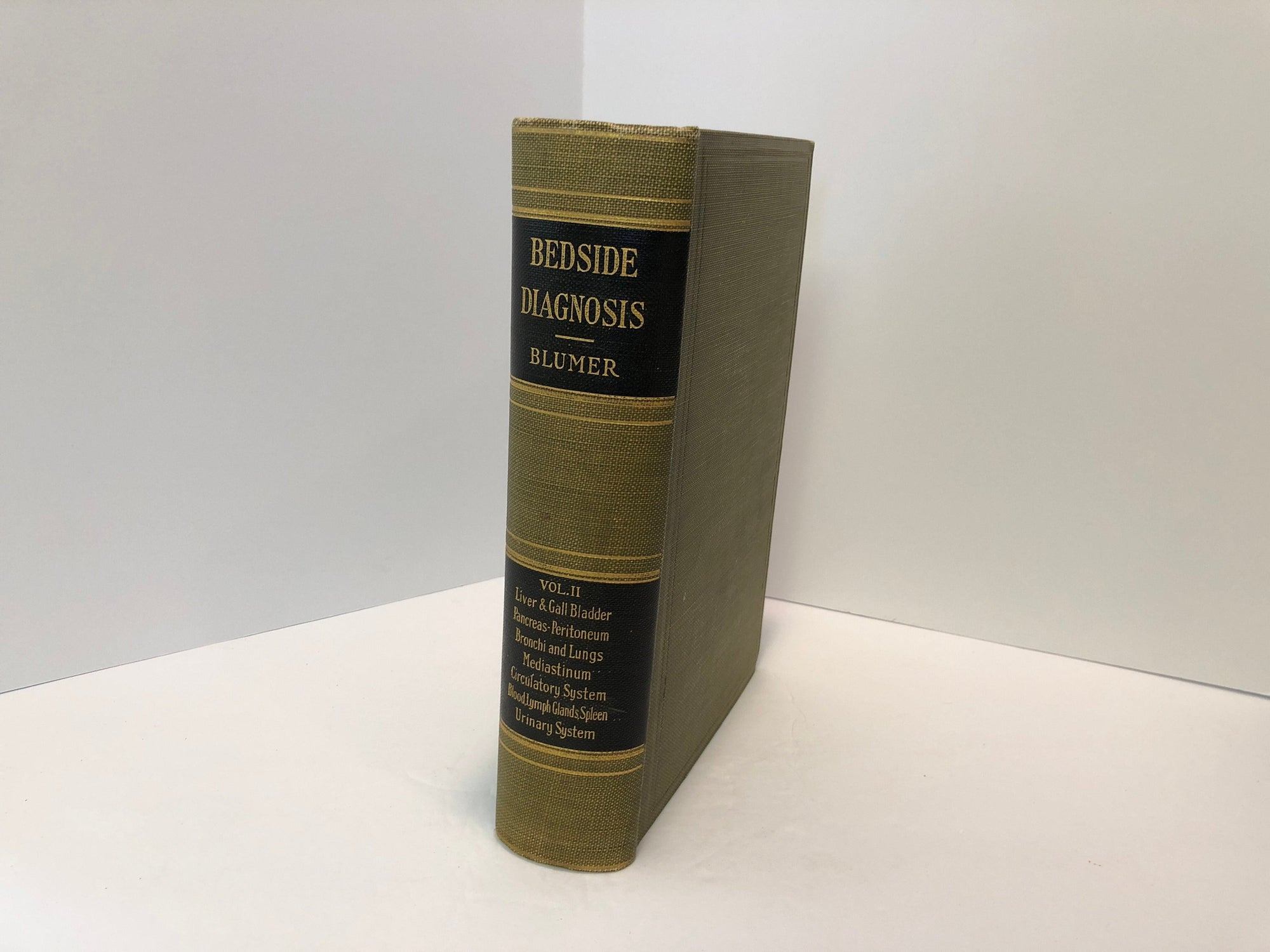 Bedside Diagnosis Volume 2 by American Authors Edited by G Blumer, MD 1928 Vintage Book