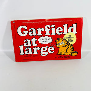 Garfield at Large His First Book by Jim Davis 1980-Reading Vintage