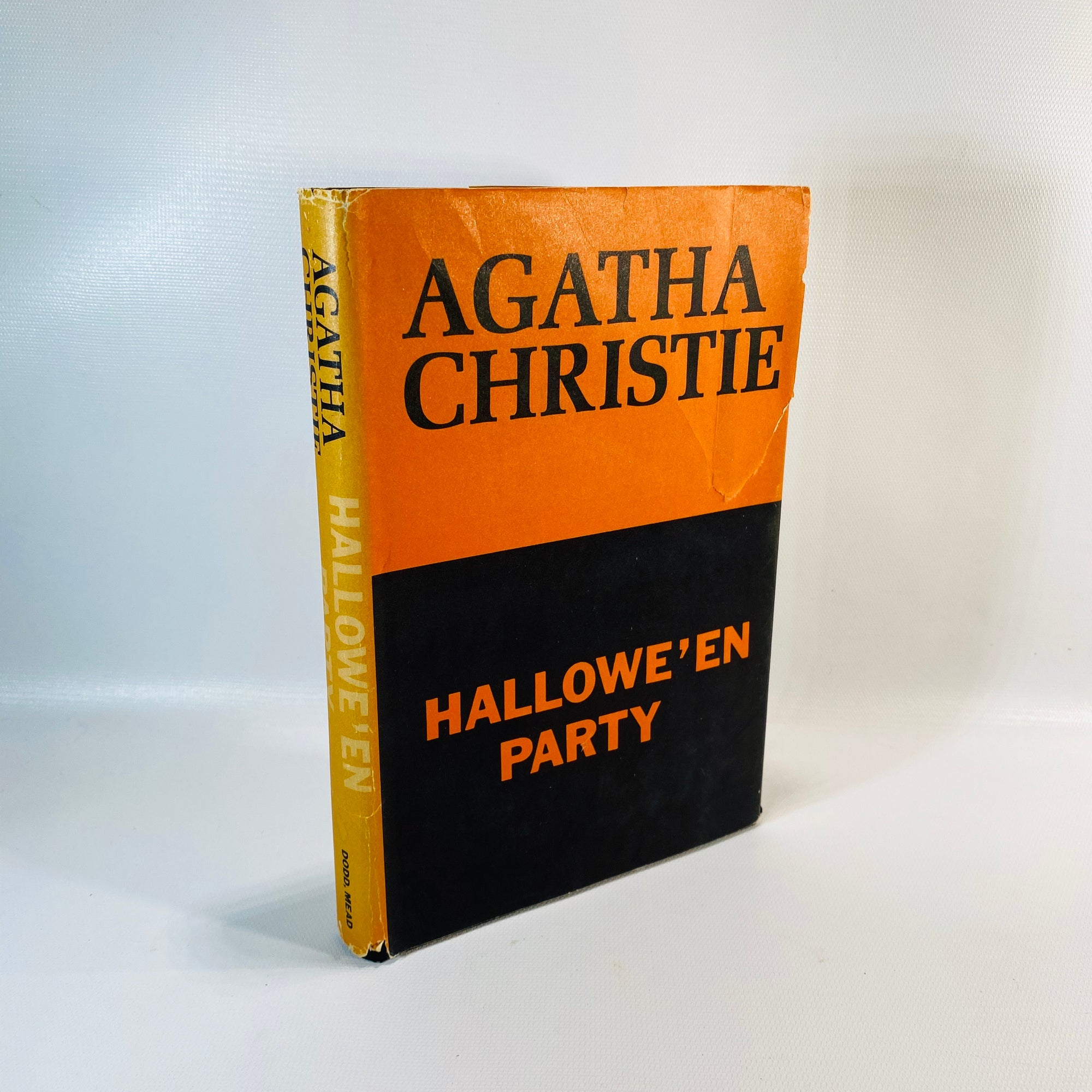 Hallowe'en Party by Agatha Christie 1969-Reading Vintage