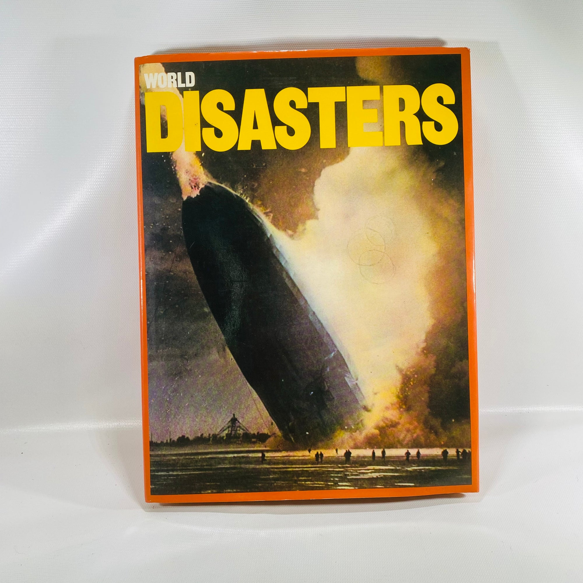 World Disasters by Micheal Prideaux 1976-Reading Vintage