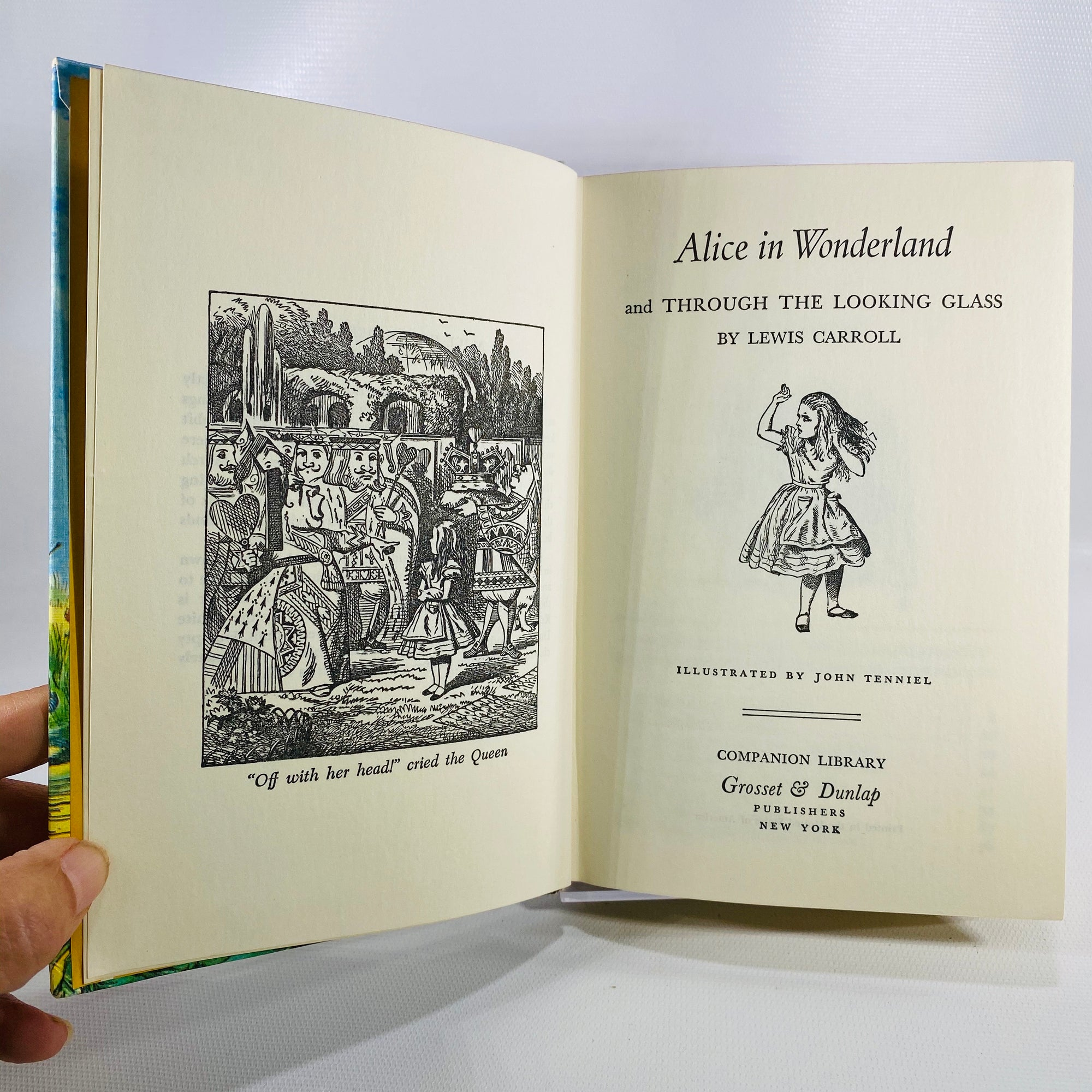 Lewis Carroll Alice's Adventures in Wonderland & Through the Looking Glass Companion Library