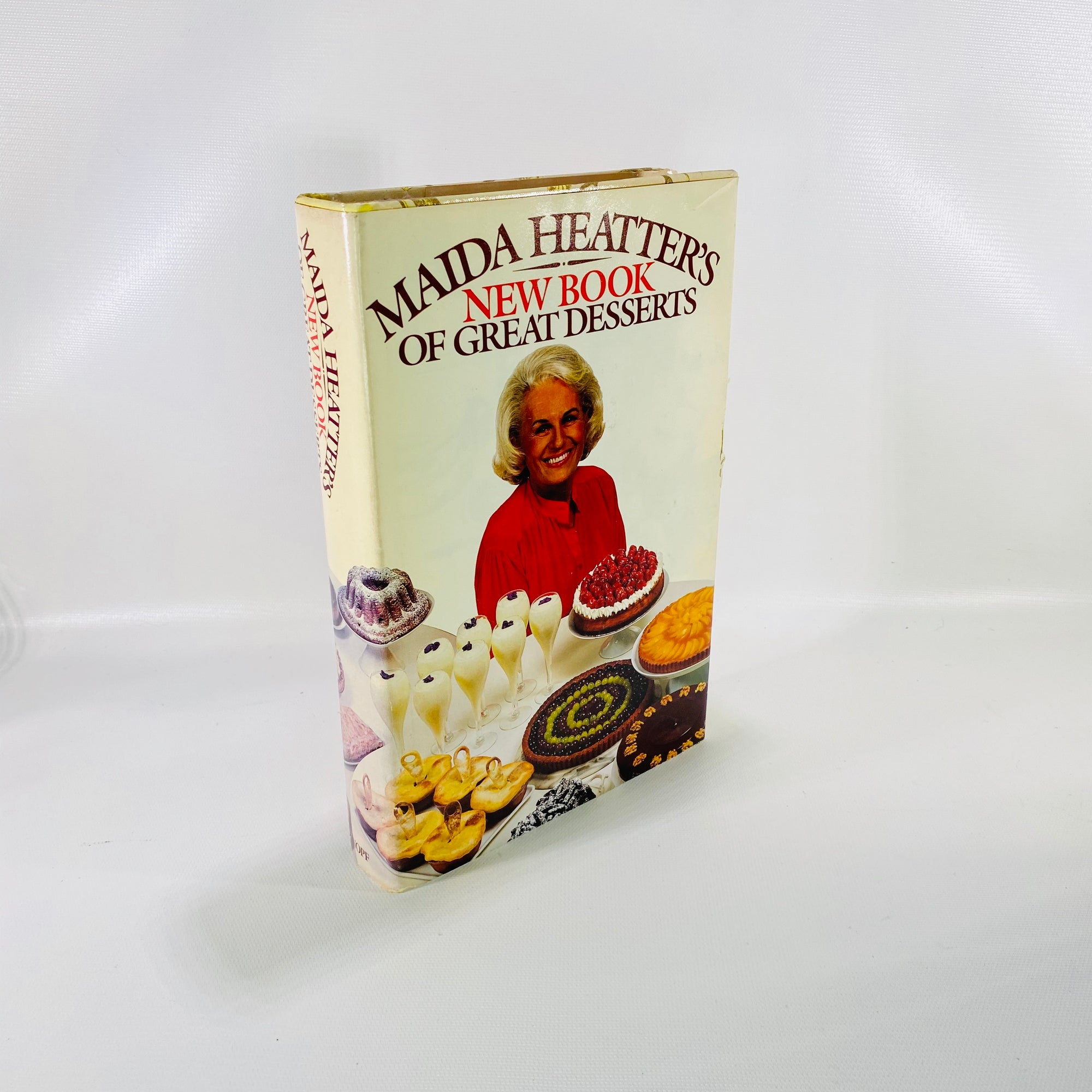 Maida Heatter's New Book of Great Desserts drawings by Toni Evins 1982
