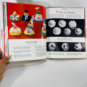 Pictorial Encyclopedia Modern Cake Decorating by McKinley Wilton 1969