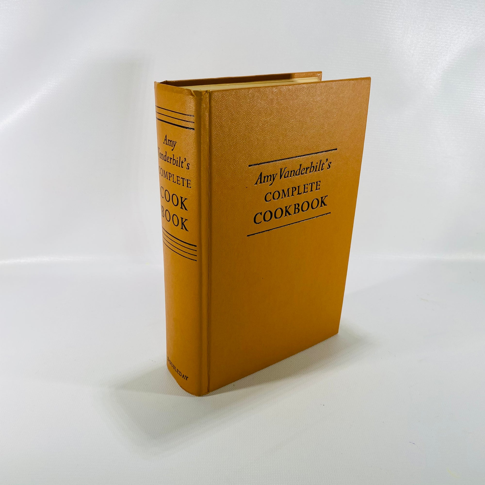 Amy Vanderbilt's Complete Cookbook 1961 Doubleday & Co-Reading Vintage