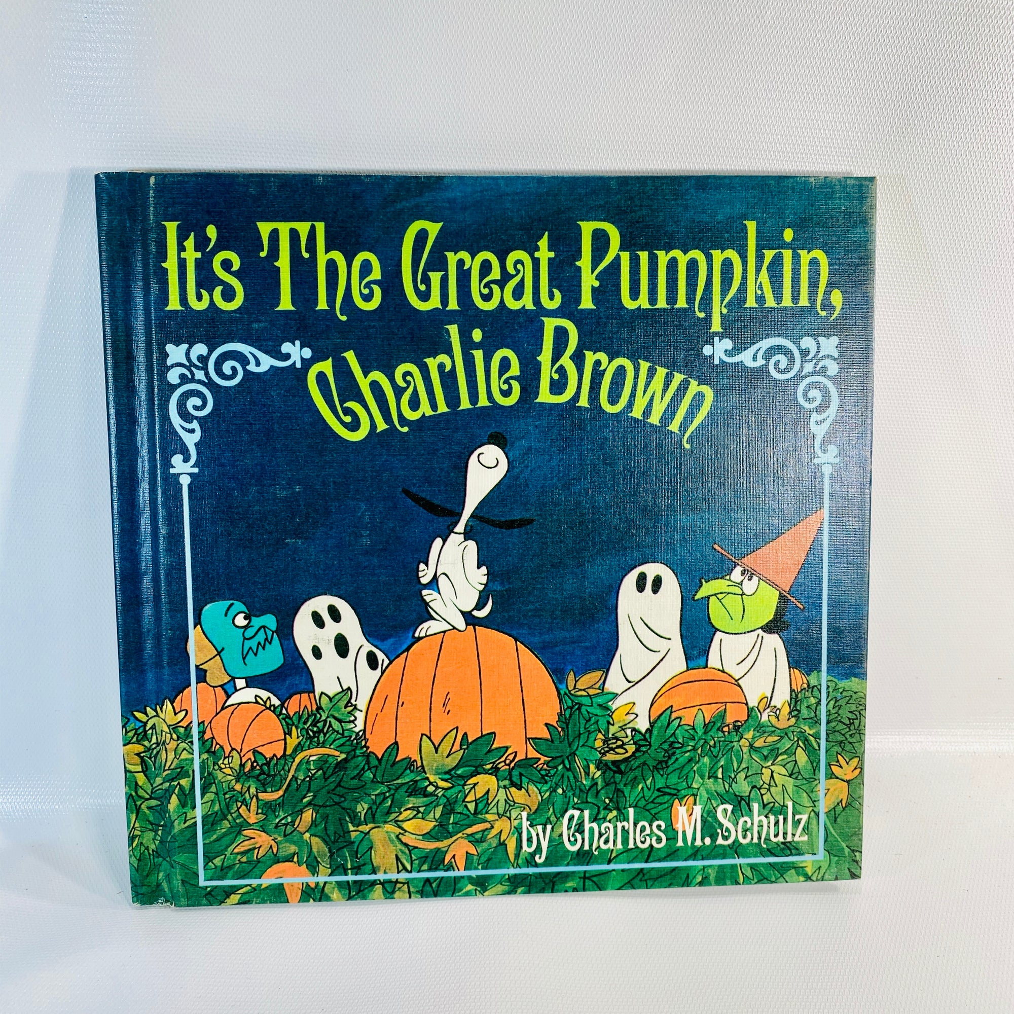 It's the Great Pumpkin Charlie Brown by Charles Schulz 1967-Reading Vintage