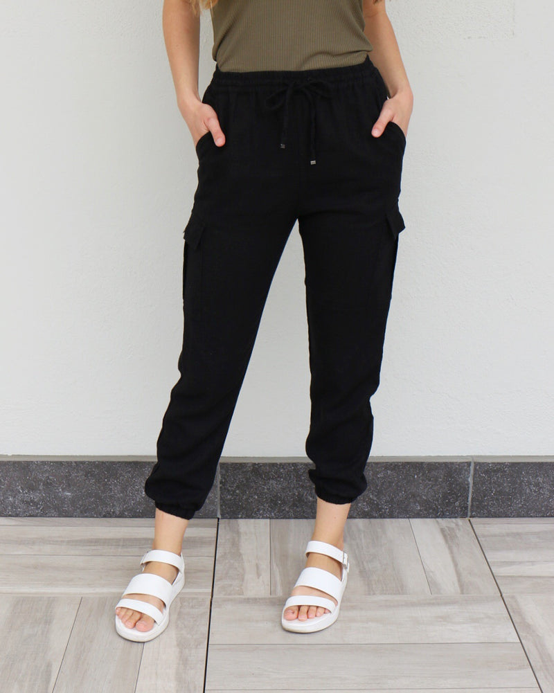 Shore Joggers in Black