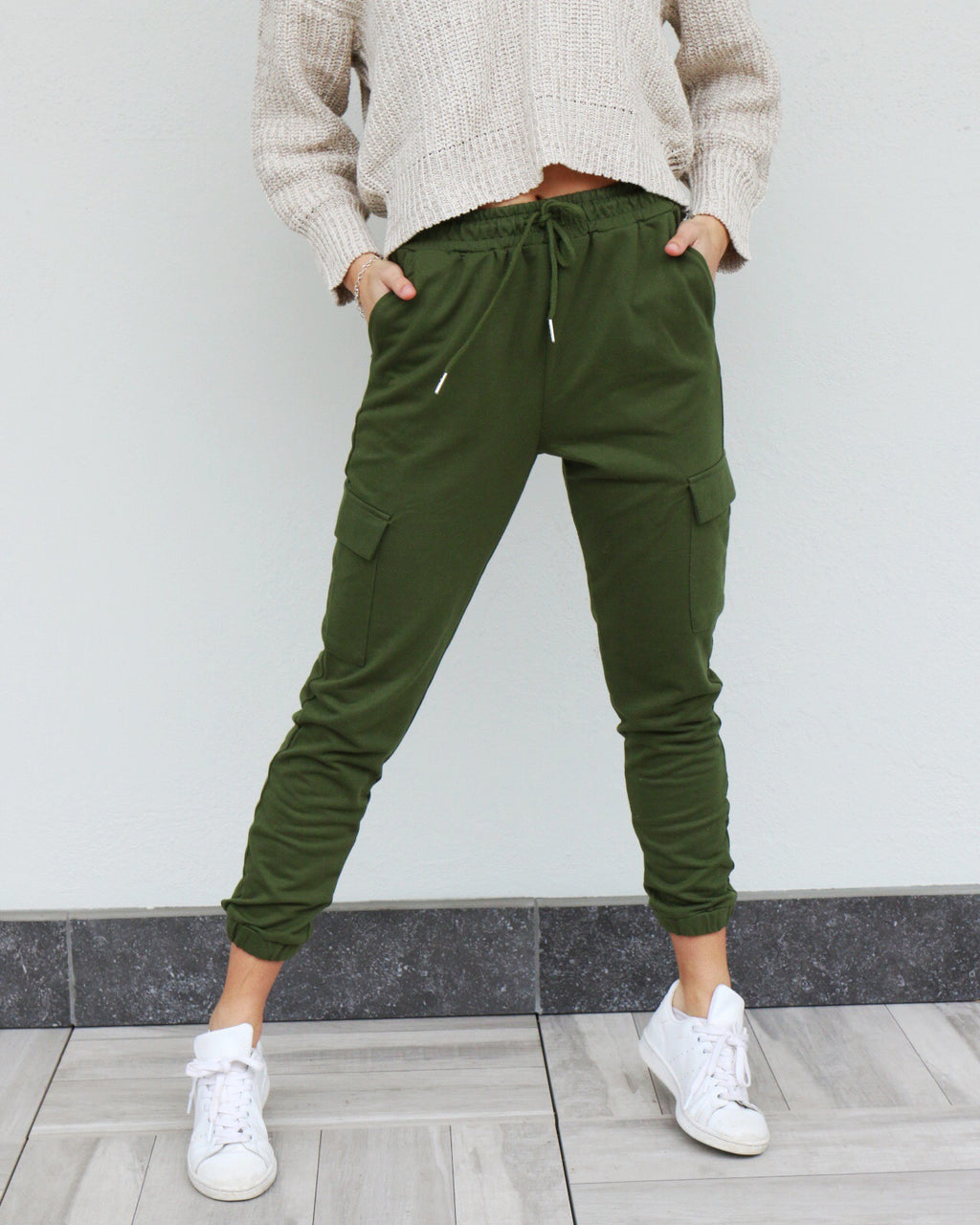 Lara Joggers in Green
