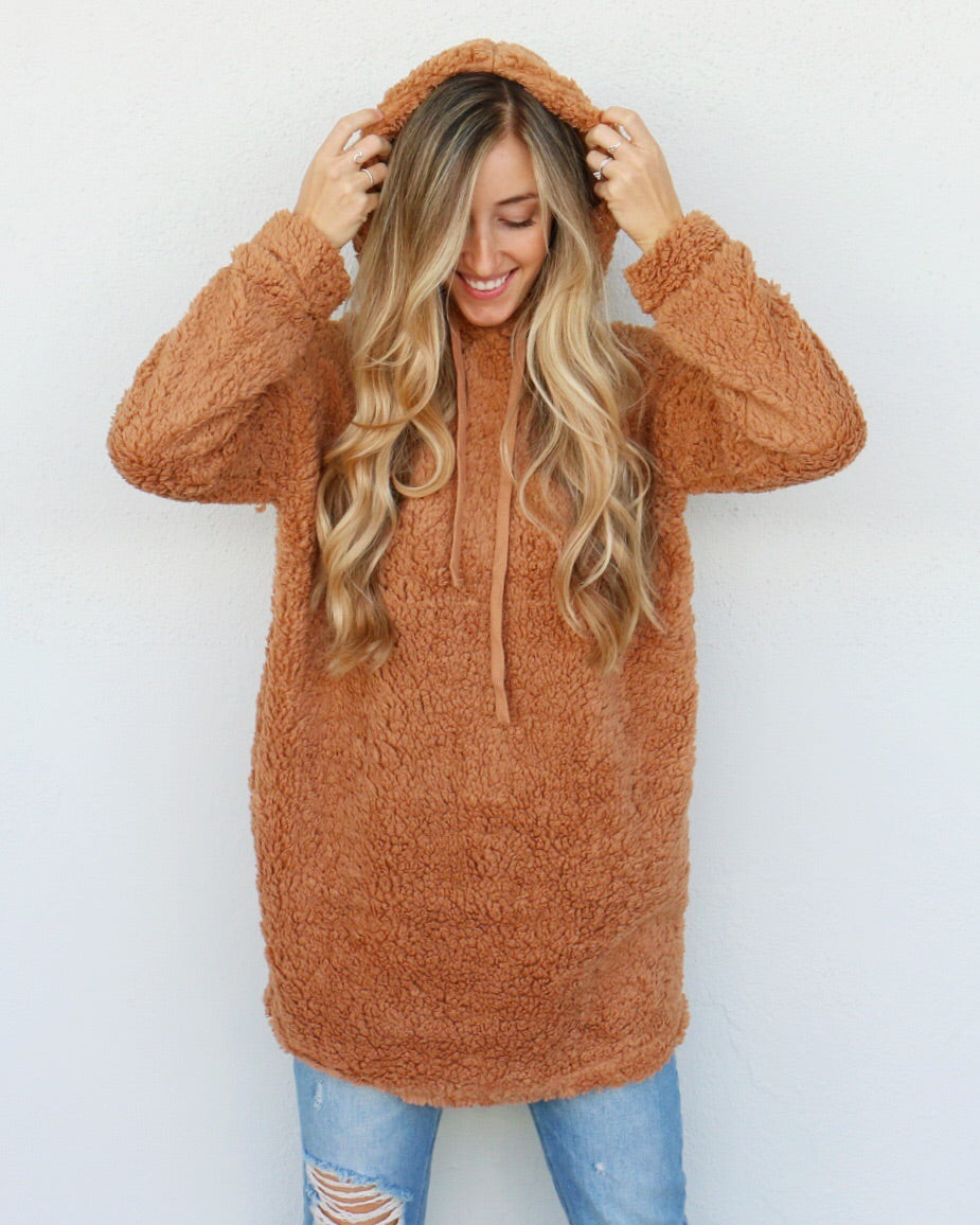 Brittany Hoodie in Camel