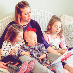 American Mom's read to her children |Daisy May & Me|