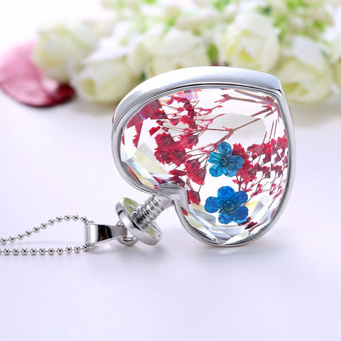 "Image of ""Flora"" Pendant Necklace"