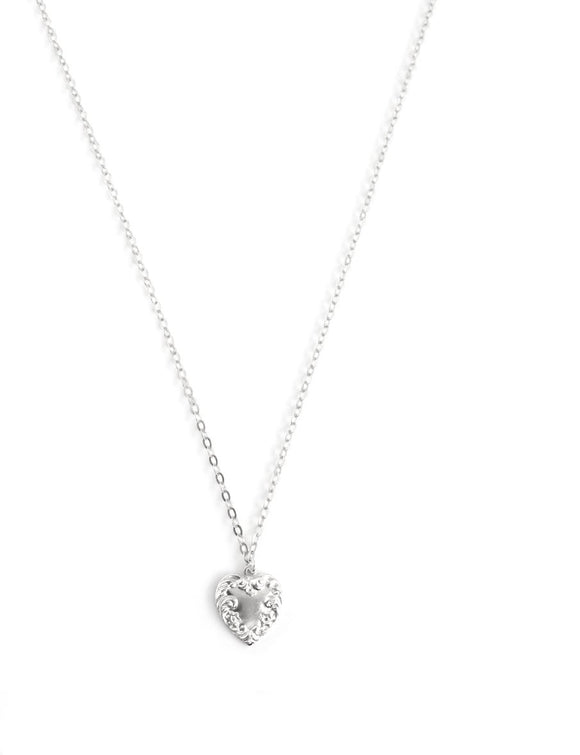 Short silver necklace with heart - Dige Designs