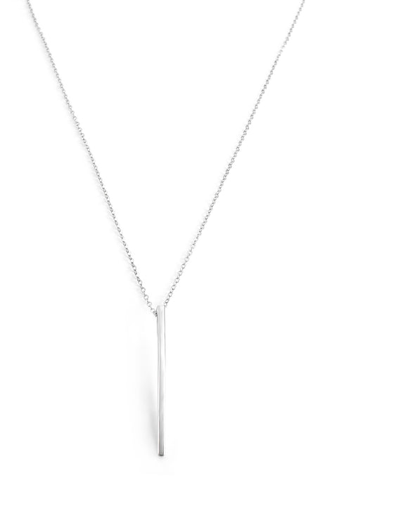Short silver necklace with pendant - Dige Designs