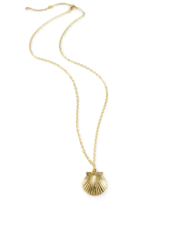 Dige Designs short gold plated seashell necklace