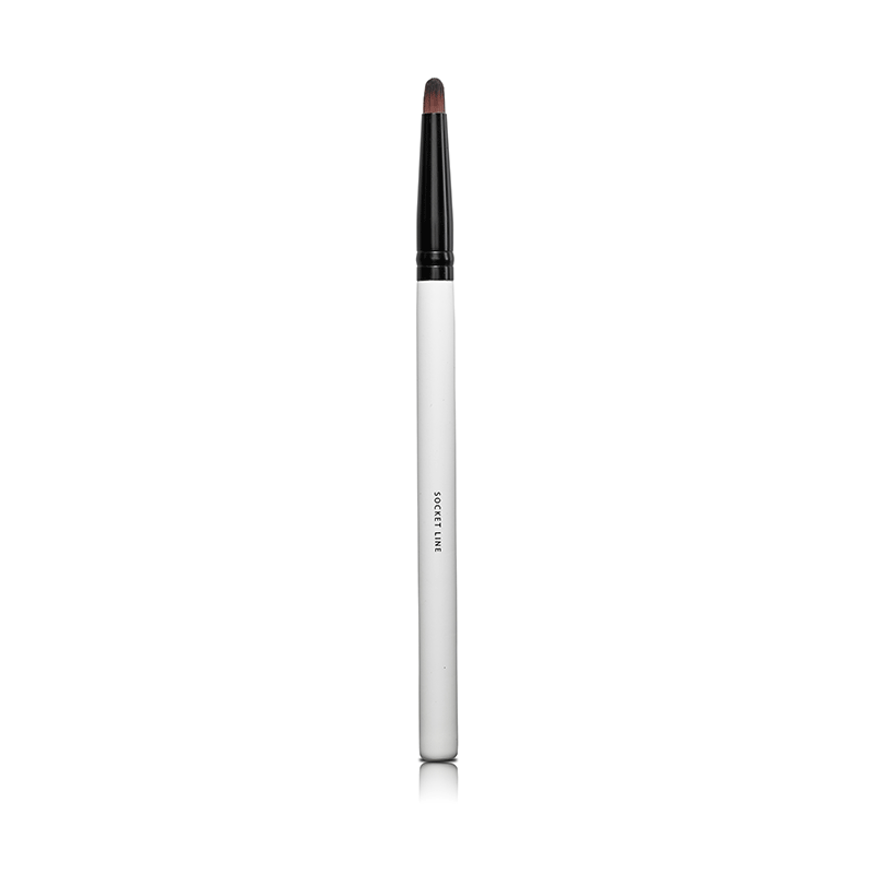 Lily Lolo Socket Line Brush