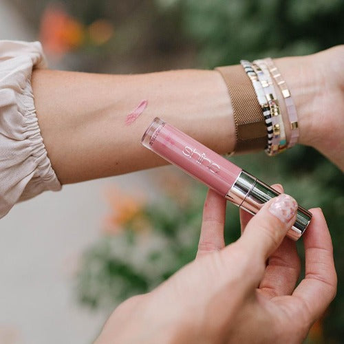 Lip Gloss variable Shine Cosmetics Corporate Goals
