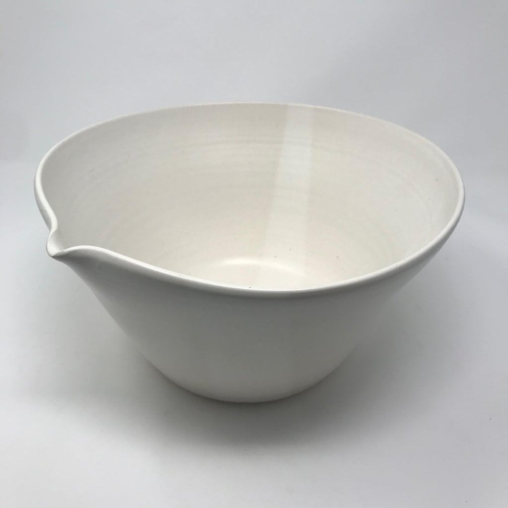 Handmade Mixing Bowl with Spout & Faint Line Detail (Largest of 4)