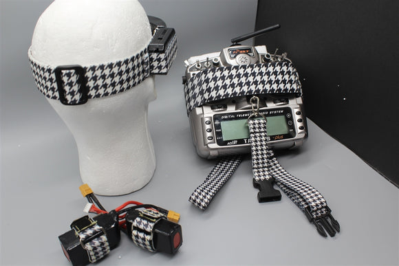 Houndstooth Wider Set