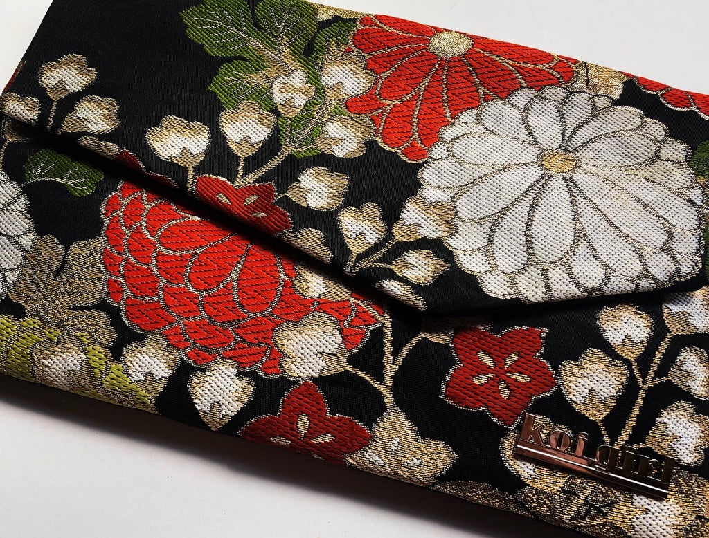 Bellflower and Chrysanthemum Clutch