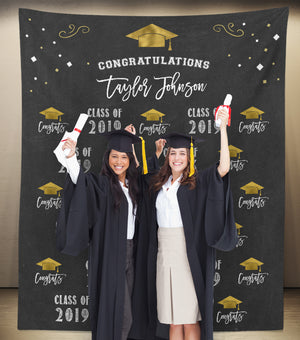 2019-graduation-backdrop-with-graduates