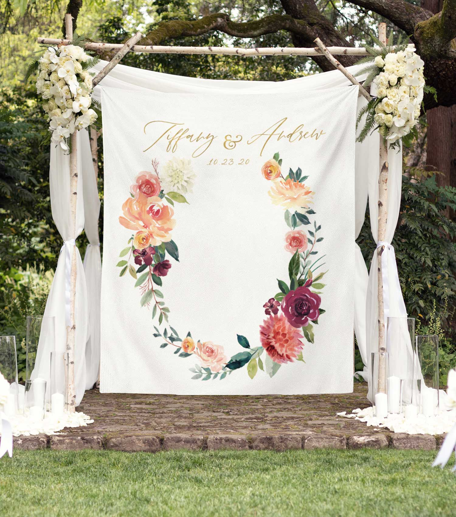 Fall Floral Wedding Photo Booth Backdrop Ideas | Blushing Drops