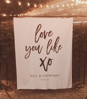 I Love You Like XO Quote Reception Backdrop | Wedding Backdrop Ideas - Blushing Drops