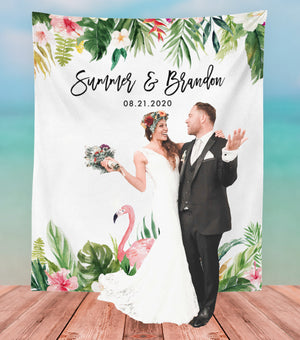 bride and groom with tropical wedding backdrop banner ideas