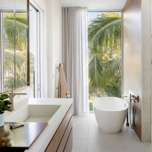 10 Beautiful Bathrooms With a View
