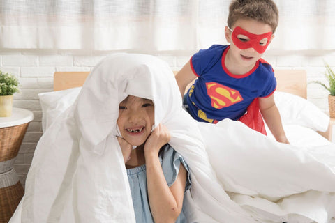 spooky-kids-with-bedsheets