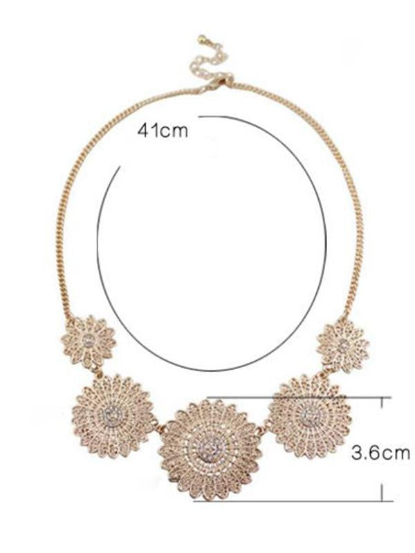 Rhinestone Flower Pendant Necklace