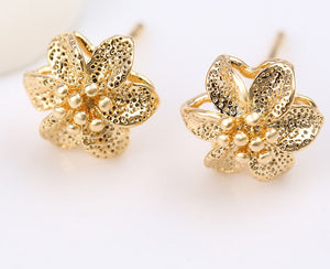 Flower Style 18K Gold Earring