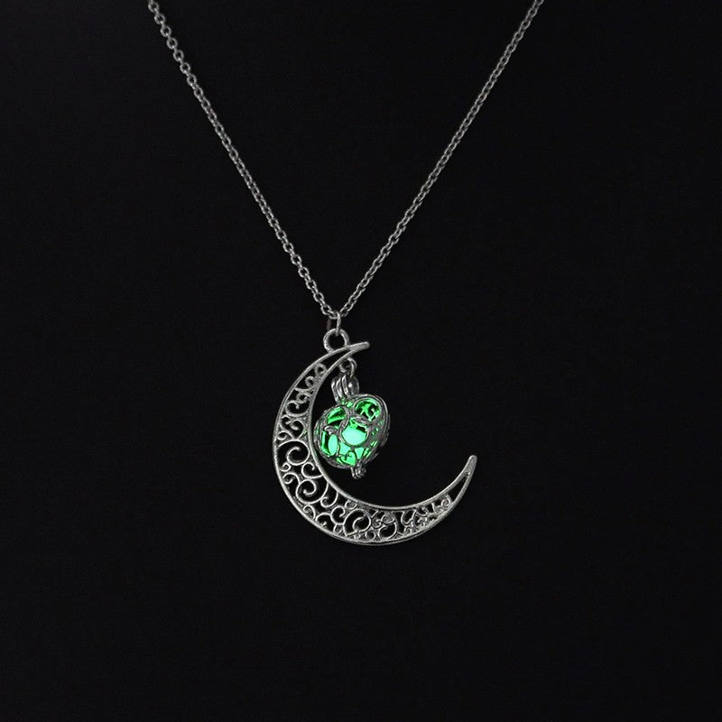 Magic Moon Heart Glowing Pendant Necklace (Green) Online Shopping Store