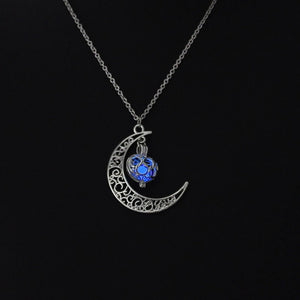 Magic Moon Heart Glowing Pendant Necklace (Blue) Online Shopping Store