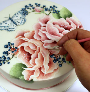 Workshop | Cake International on Tour 2019 | Butterfly and Signature Roses Handpainting with Emily Hankins